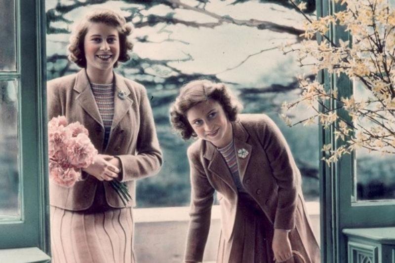 2 Fotos Reina Isabel 7