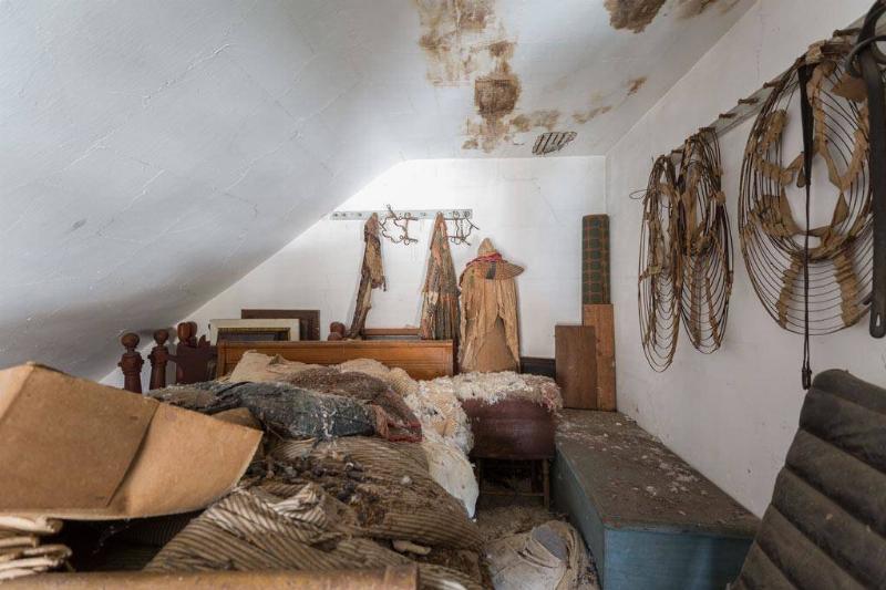 attic-94700