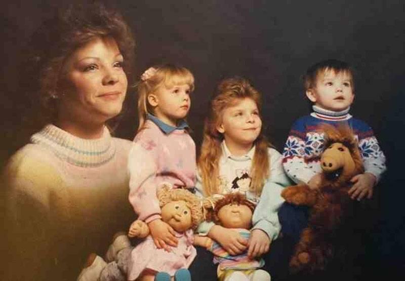 80s-family-portrait-51736-1-96406