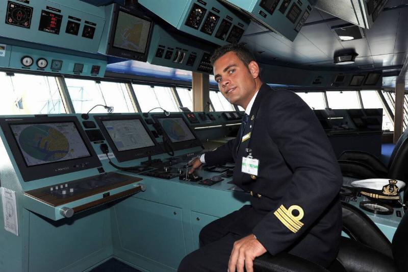 Cruise-ship-captain-62666-11278
